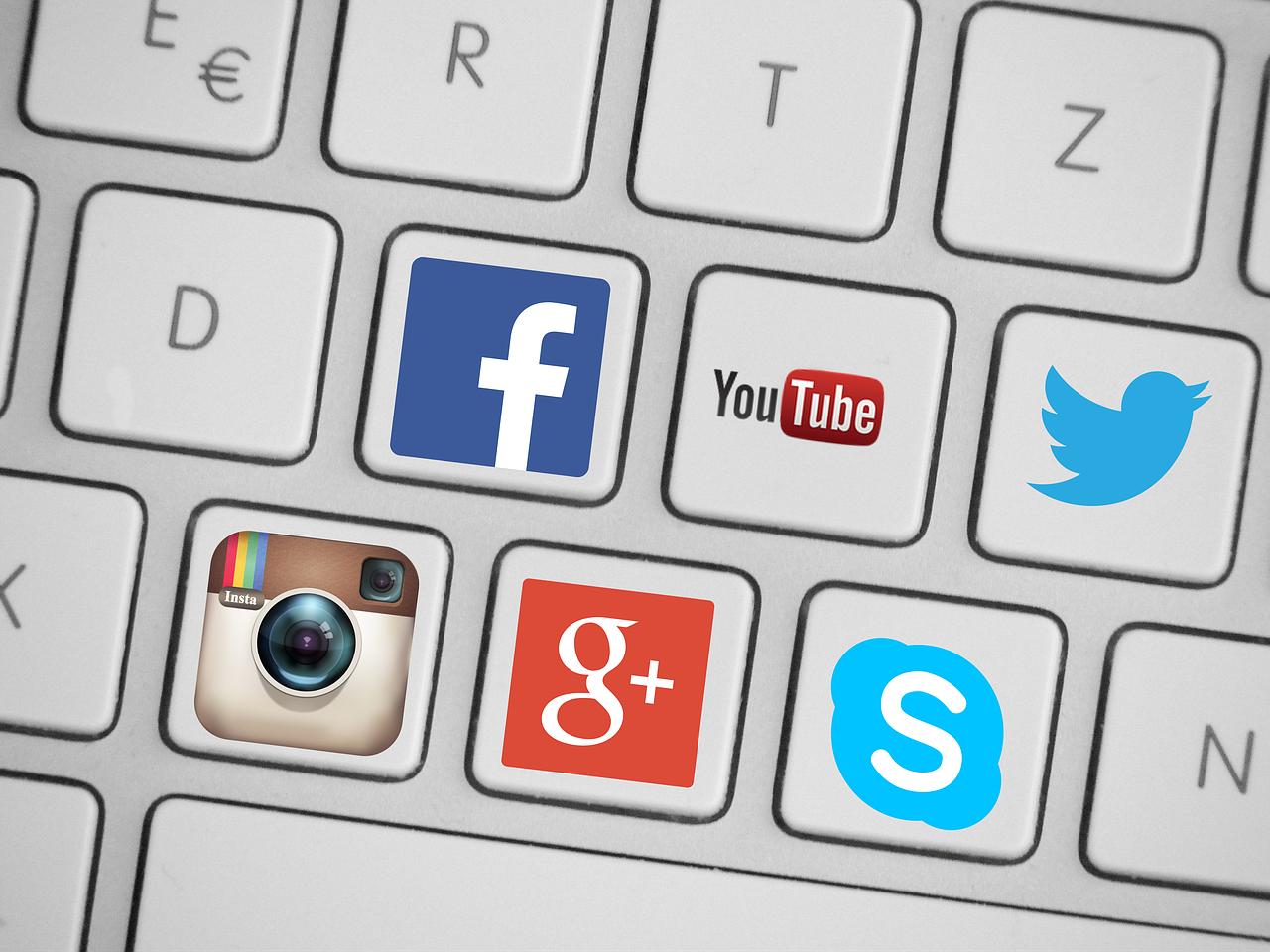 Social media apps; Biden online censorship