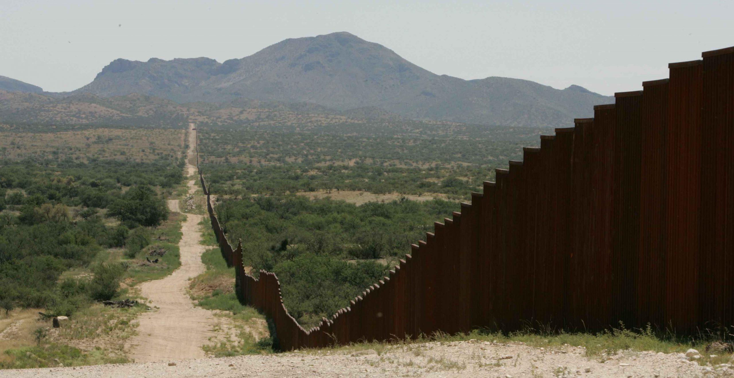 Border fence; Texas border crisis wall